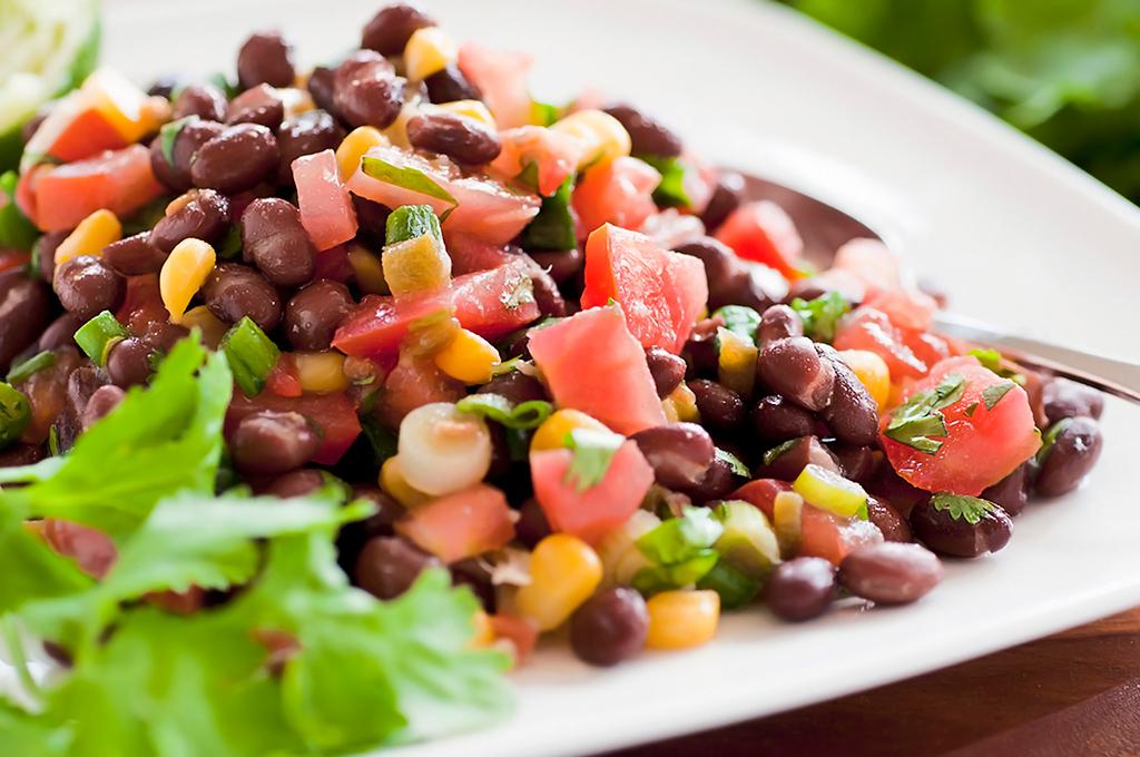 ensalada con frijol negro