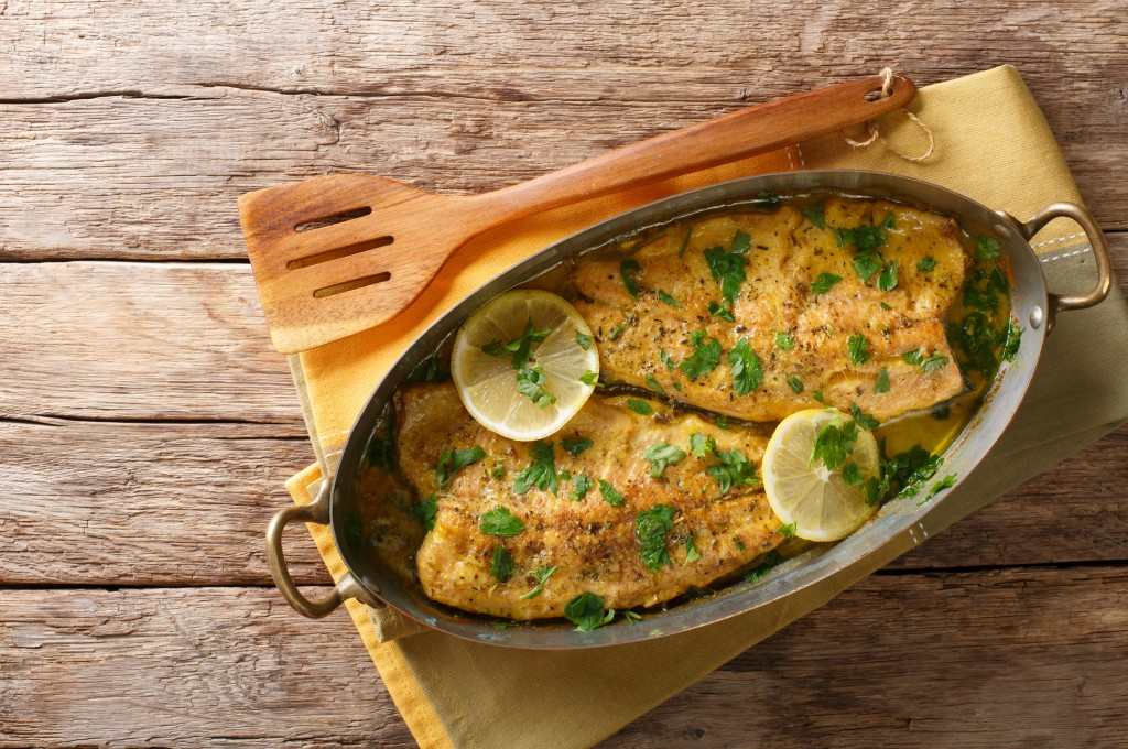 filete de pescado y cilantro